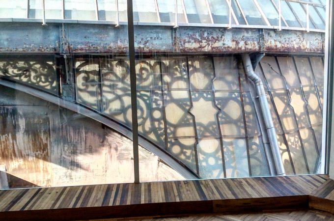 Struttura in vetro e ferro, cupola della Galleria Vittorio Emanuele, Milano, Italia