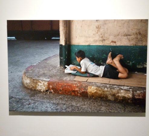 Brescia Photo Festival - Steve McCurry, Leggere, bambino